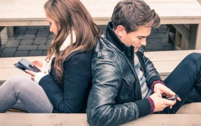 Je mobiel of je relatie, wat is belangrijker?